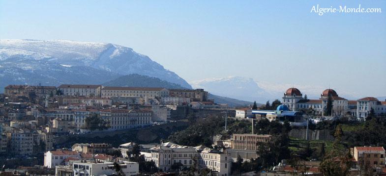 http://www.algerie-monde.com/villes/constantine/vue-ensemble-ville-constantine.jpg